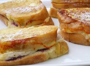 Leftover-Turkey-Cranberry-Monte-Cristo-Sandwiches