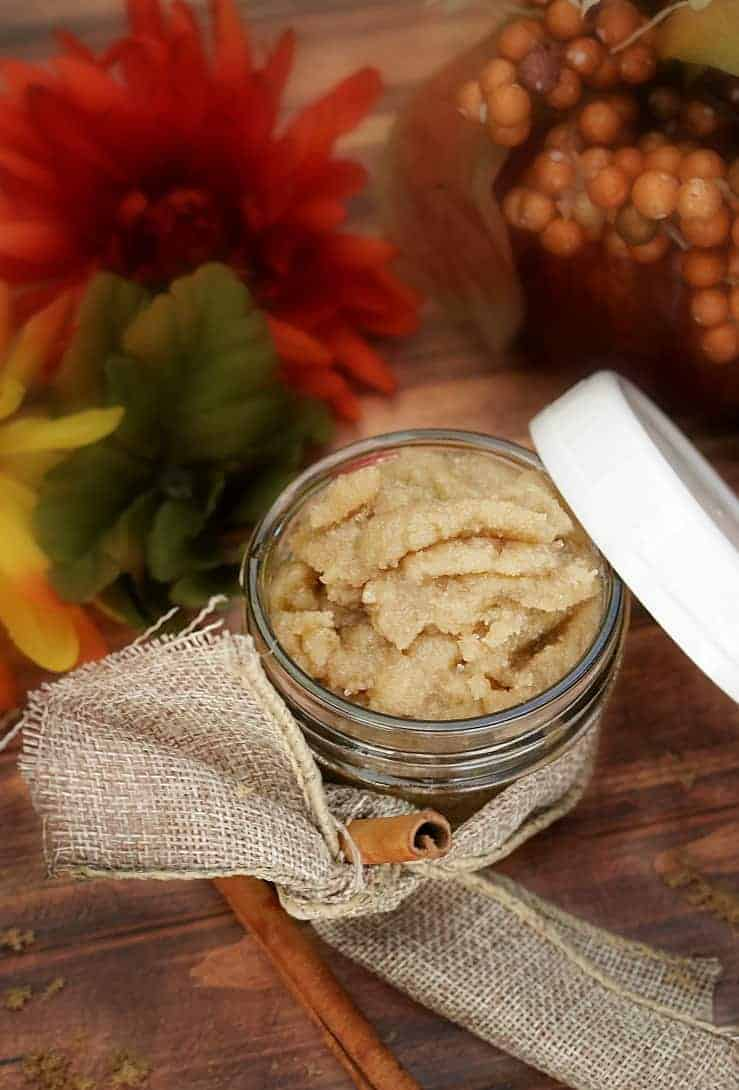 Warm Vanilla Sugar Body Scrub