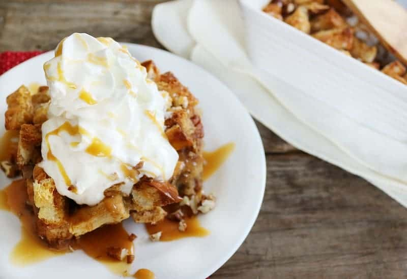 caramel pecan bread pudding